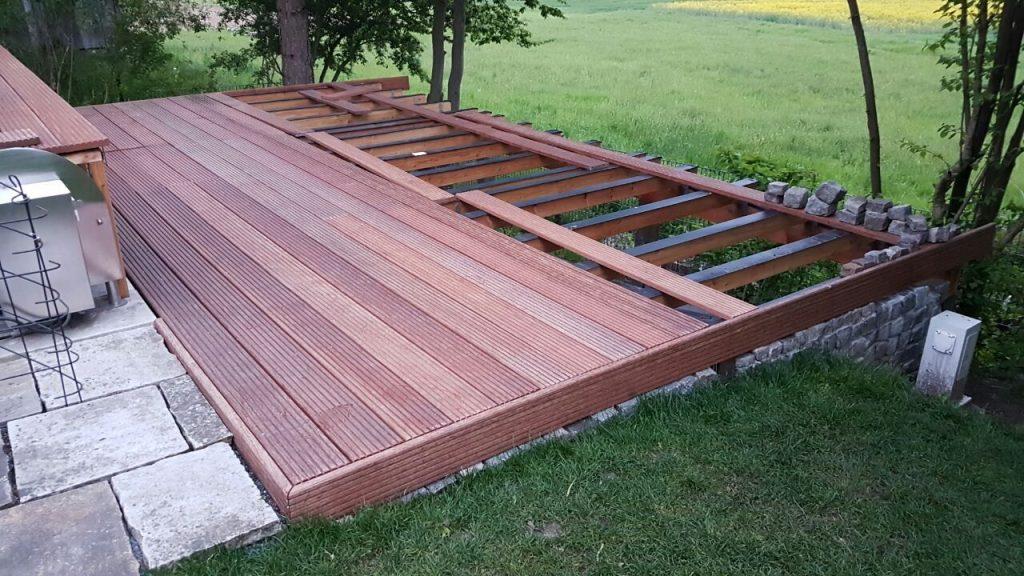 Terrasse mit DILA2 verlegt